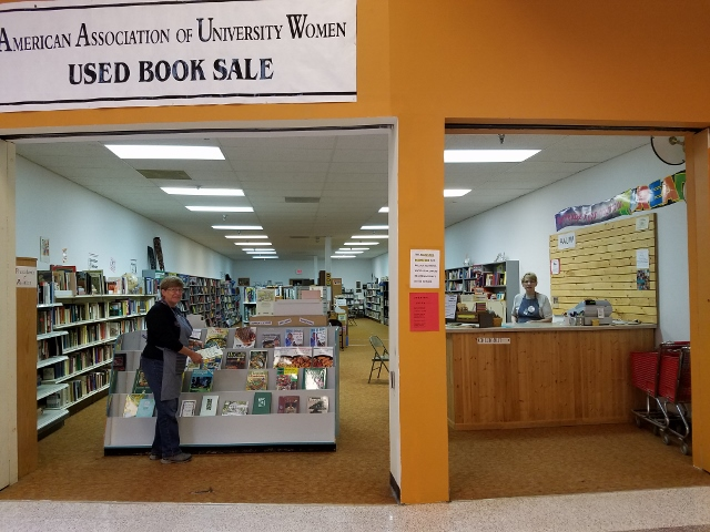 Bookstore (640x480)
